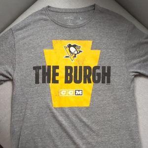 Pittsburgh Penguins t shirt size L.